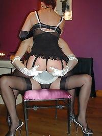 Nylon Jane licks pussy of mature woman