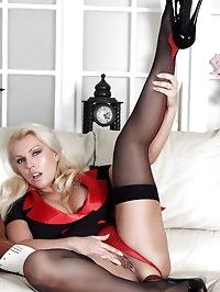 Lana tries out a little bit of anal fun as she masturbates
