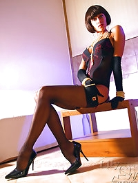 Leggy Milf LilyWOW in sexy black stockings