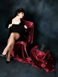Lady sizzles in skimpy dress