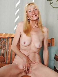 Gorgeous 57 year old Pam gets naked and spreads in the..
