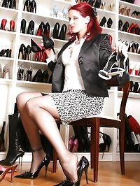 Hot Pantyhose shooting with leggy model Nadja at shoestore