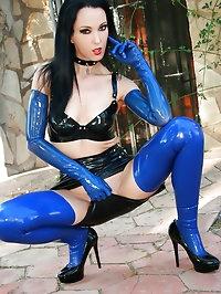 Stunning Mistress in full latex
