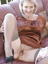 Lusty babe loves masturbating