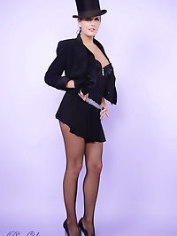 Heavenly Victoria Summers dresses up in a sexy outfit to..