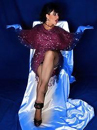 Amanda in flashy purple dress