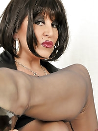 Brunette has a black fetish