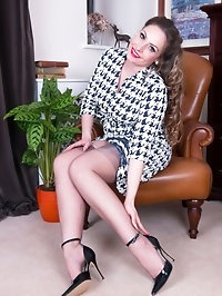 Sophias passion for high heels, exquisite fully fashioned..