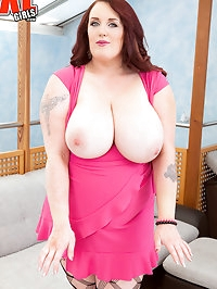 A Hot Lass Named Carla4Garda