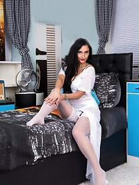 All natural mom Cassie Clarke gets ready for bed, peeling..