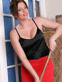 Holly Kiss in sexy nylon stockings