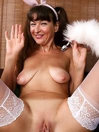 Ivana Slew Bunny Beauty