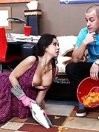 Kimmy Lee Pictures in Fucking and Sucking Her Son's..