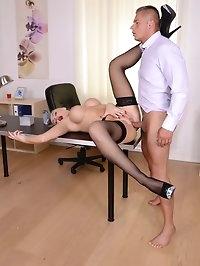 Blonde Cougar Milf Secretary Kayla Green Has Anal With Boss