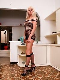 Sexy Polish MILF loves anal