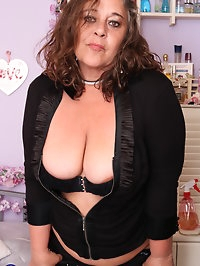 Naughty mature Sami loves to play alone