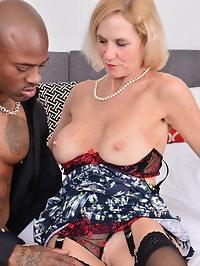 Horny mature Molly Maracas goes interracial
