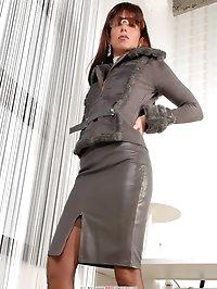 Glambabe in leather