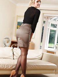 Stacey treats us to flashes of her holdup stockings..