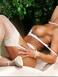 Vixen has succulent boobs