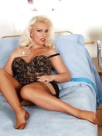 Lana uses her feet to make a stud cum hard