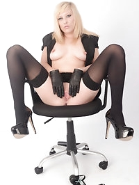 Femdom Axajay has her brush as a bondage weapon and wants..