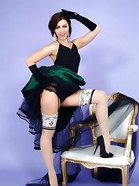 Gorgeous brunette Natalia Phillips strips from evening..
