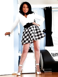 Take a peek up Danicas skirt with and without panties