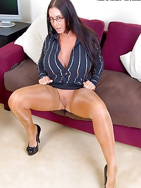 Big Boobed Emma Butt Gets Groped for Her Pleasure in..
