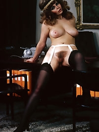 Brunette retro chick showing of her naturals