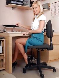 Clair Lou - Sexy secretary