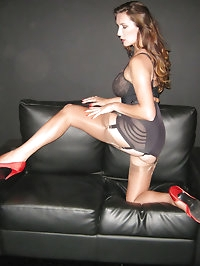 Jane is posing on her casting couch and ready to give you..