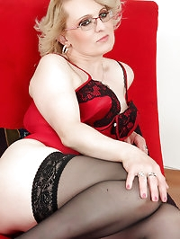 43 year old Mareaux from AllOver30 looks spicy hot in red..