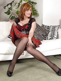 Jenny in crotchless pantyhose for easy access!