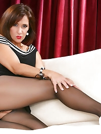 Mature mom is about to be naked with her pantyhose