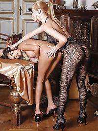Hot sexy beauties play bondage game