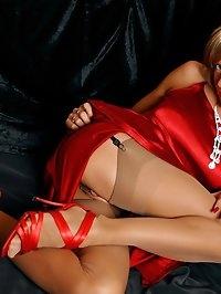 Leggy hottie in thinnest vintage stockings