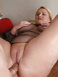 Big melons Libby sucking dick and fucked
