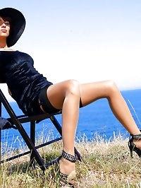 Leggy MILF in vintage stockings outdor